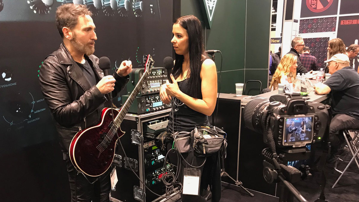 Monte Pittman at the Kemper Amps Booth